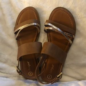Cat and jack sandals tan size 6
